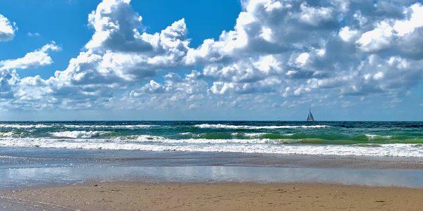 Am Strand von Den Haag Energie tanken